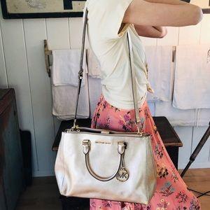♥️ Michael Kors ♥️ Gold Leather Crossbody Bag